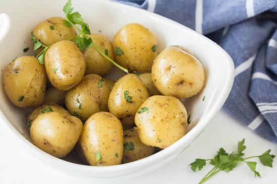 Easy-Potatoes-4-Ways-Boiled-Potatoes-1-Ashley-Fehr-7-2017-Web-Res