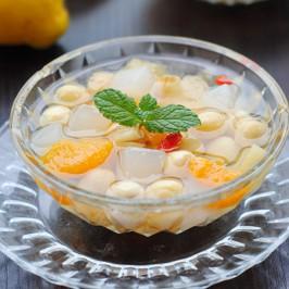 """Thạch dừa """"mix"""" hạt sen mát lịm ngon khó cưỡng"""
